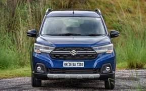 Новый кросс-вэн Suzuki XL6 2020 собирает очереди
