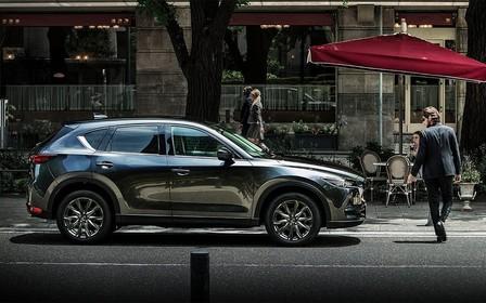 Новий кузов, задній привод та інші мотори. Mazda CX-5 змінює покоління