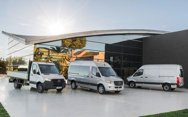 Новый Mercedes-Benz Sprinter: передний привод, ЖК-панель и электротяга