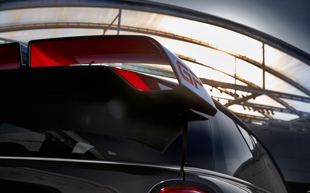 Новый MINI John Cooper Works GP: мощный и динамичный как никогда