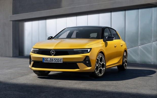 Новый Opel Astra полностью рассекретили