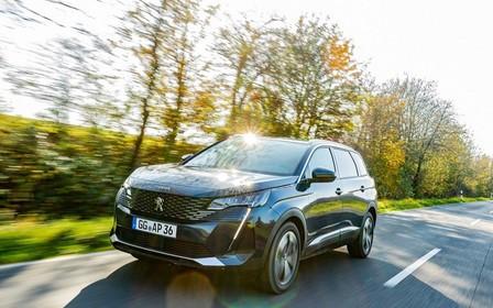 Новый Peugeot 5008 привезли в Украину. Что почем?