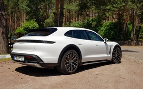 Новый Porsche Taycan Cross Turismo уже в Украине. Почем?