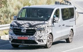Новый Renault Trafic: другая внешность и гибридная установка. Что еще?
