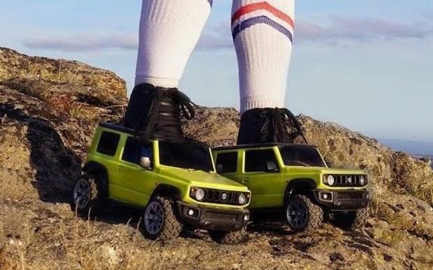 Новый Suzuki Jimny в виде внедорожных роликов