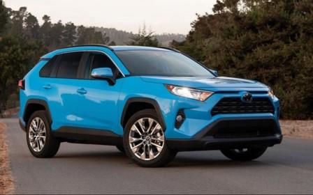 Новый Toyota RAV4 с 2.0 л бензиновым двигателем доступен к заказу