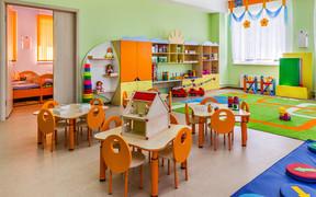 Новыми ГСН хотят разрешить строить начальные школы в жилых домах