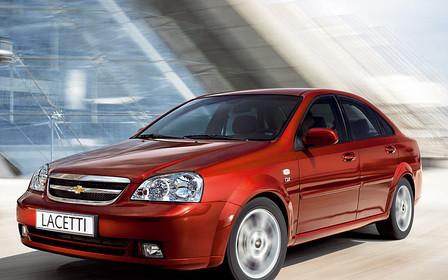 Обзор Chevrolet Lacetti: Разумный по цене автомобиль