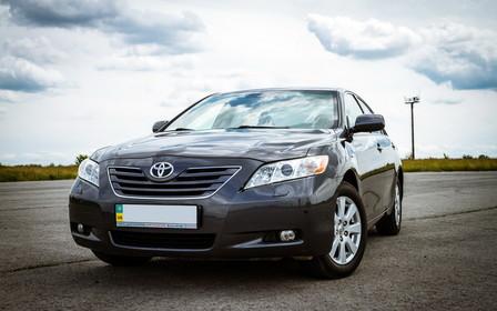 Обзор Toyota Camry (XV40): Разумное решение