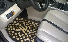 Одежда для пола: выбираем коврики в машину