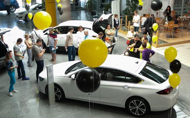 Opel. 120 років автомобільної історії в драйві - від A-Z