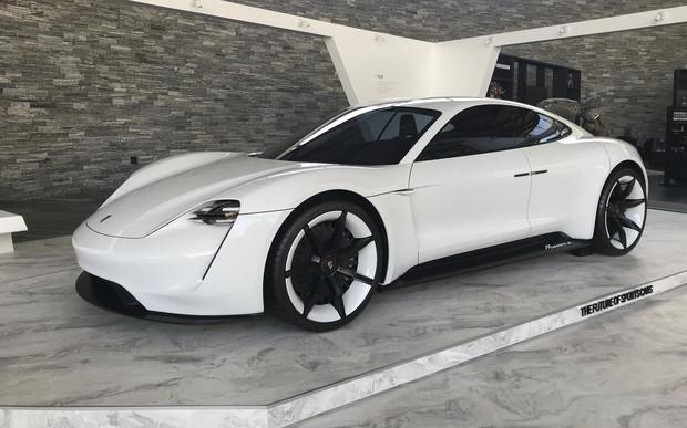 От $90 тыс и выше. Чего ждать от первого электрокара Porsche?