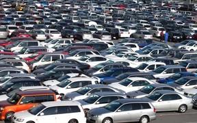 От «Ланосов» до «Лексусов». Какие машины чаще покупали в областях?