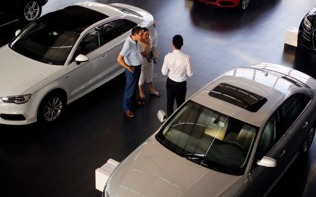 Passat или Camry? Продажи авто D-класса в Европе упали на 19%