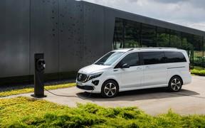 Первые фото и видео электрического вэна Mercedes-Benz с запасом хода в 400 км.