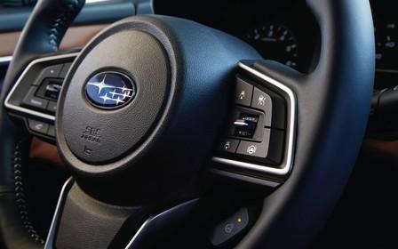 Перші фото Subaru Legacy №7. Чи став новий седан насправді новим?