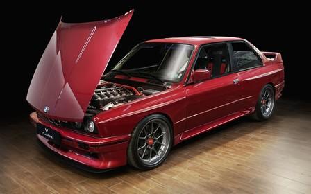 Под елку. Болгарское ателье доработало BMW M3 Evo