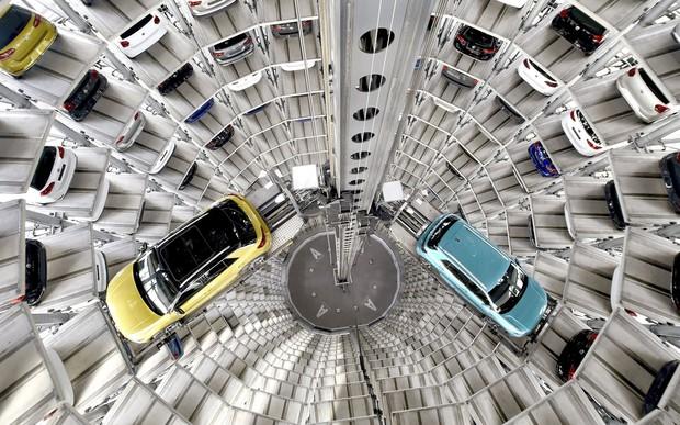 Подъем с переворотом. VW Golf вернулся на вершину продаж в Европе
