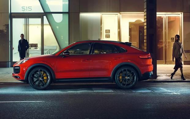 Подтянули ягодицы. Porsche показывает Cayenne Coupe. ВИДЕО