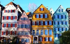 Покупка квартиры летом: стоит или нет
