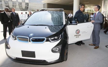 Полиция распродает электрокары BMW i3 в США. Что не так?