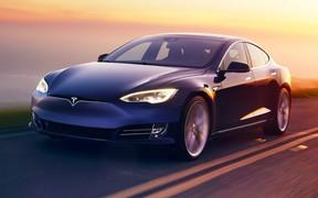 Полный автопилот. Пьяный водитель уснул за рулем Tesla Model S на скорости 110 км/час