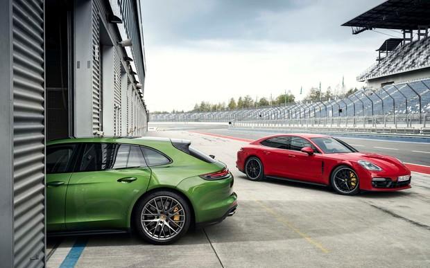 Porsche Panamera превратят в купе и кабриолет. А что тогда с 911?