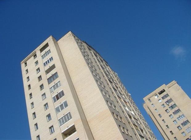 Правительство хочет достроить 700 многоэтажек