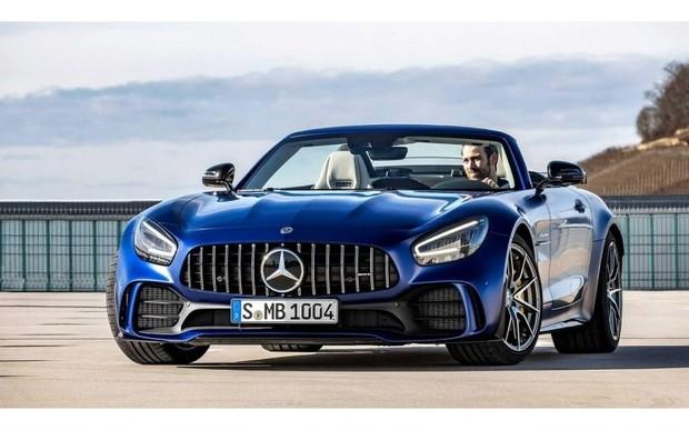 Представлений Mercedes-AMG GT R Roadster