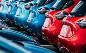 Продажи новых авто пошли вниз. Что берут?