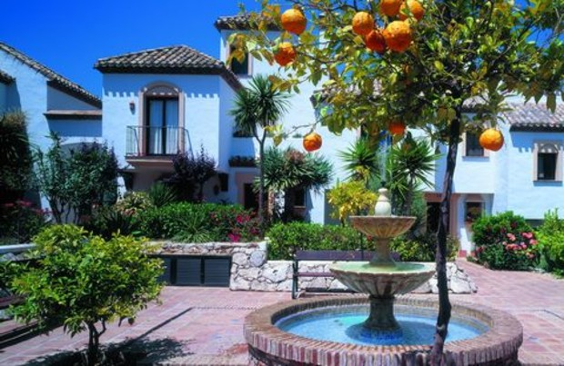 Продажи жилья в Испании снизились на 40%