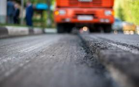 Проезд по одной из самых загруженных дорог Киева надолго ограничивают