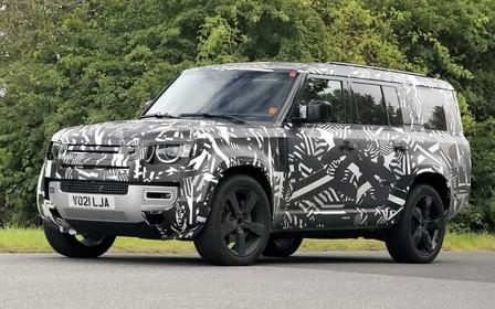 Пять с лишним метров, восемь мест. Land Rover Defender 130 засекли на испытаниях