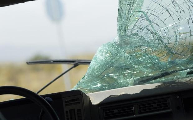 Разбил стекло, чтобы спасти ребенка. Хулиган?