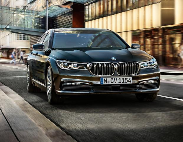 Рейтинг: Лучшие автомобили уходящего года