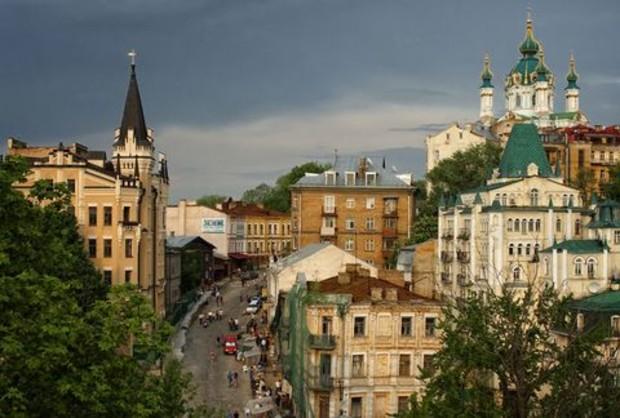 Реконструкцию Андреевского спуска завершат в мае 2012 года