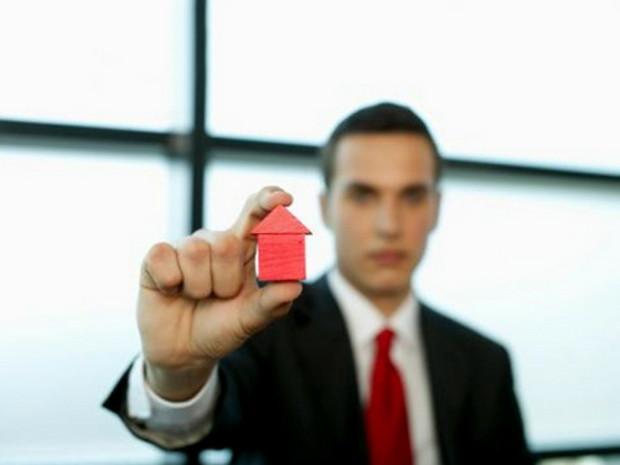Риэлторы пытаются расшевелить рынок жилья, но безуспешно