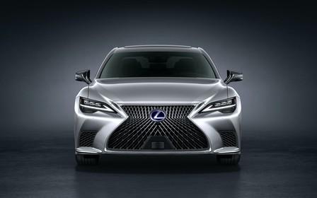 Розкішний седан Lexus LS оновився. Є шанси?