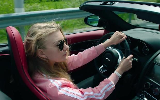 Руки на руль: 10 любимых положений рук автомобилистов. ОПРОС