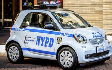 Руки вверх: Полиция Нью-Йорка пересядет на Smart Fortwo