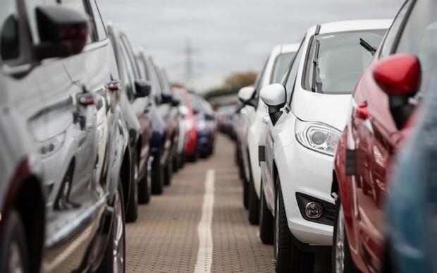 Рынок новых авто в Европе продолжает «сдуваться». Как прошел август?