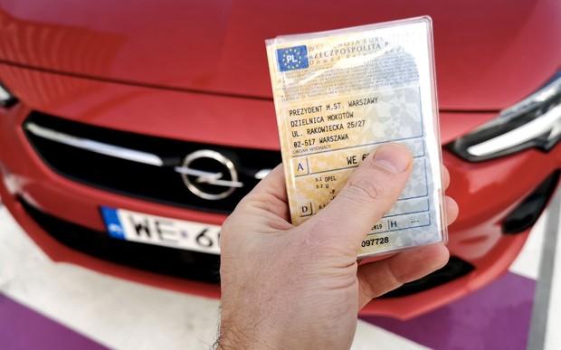 Відсьогодні відновлено реєстрацію автотранспорту та отримання водійських документів у Польщі