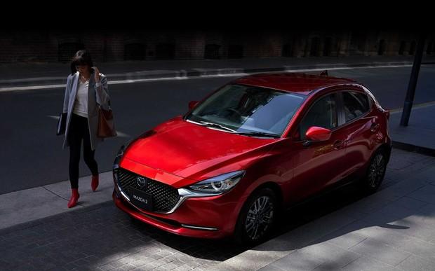 С «мордой» от «шестерки». Mazda2 обновилась и стала эффектнее