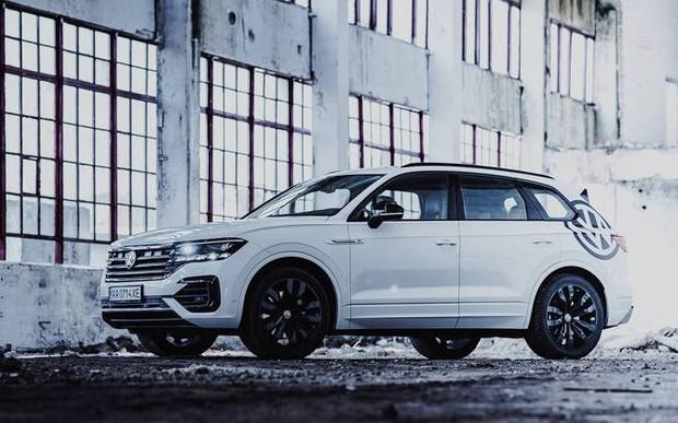 Саме час перевершувати сподівання. Лімітована цінова пропозиція на Новий VW Touareg.