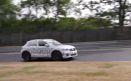 Сгусток энергии. «Заряженный» Volkswagen T-Roc R отжигает на Нюрбургринге. ВИДЕО