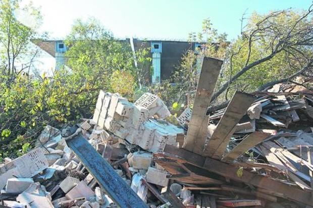Снос Русановских садов начался с препятствиями