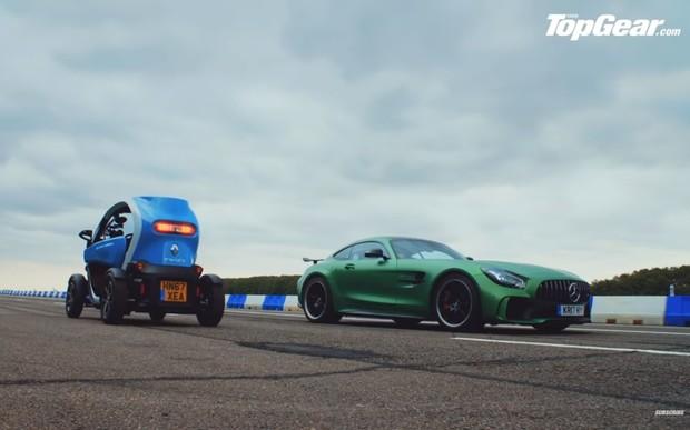 Сравнили мягкое с кислым. Mercedes-AMG GT R и Renault Twizy посоревновались в скорости. ВИДЕО