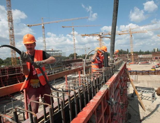 Строительство в Украине продолжает сокращаться