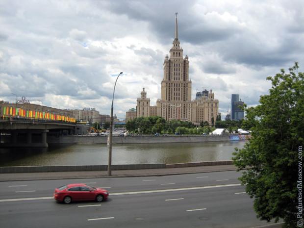 Суд отобрал «Украину» у российского миллиардера