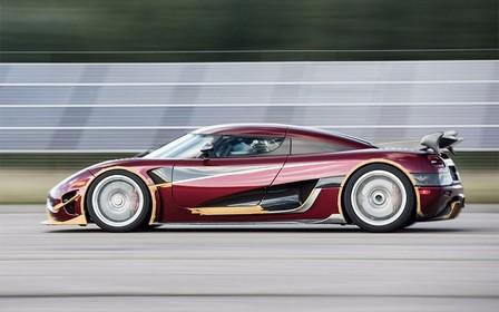Суперкар Koenigsegg побил мировой рекорд скорости. Прости, Bugatti